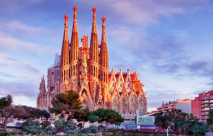 cheap flights to Barcelona, Spain